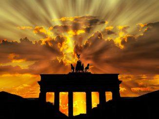 brandenburger tor 201939 1920 326x245 - 15 motivos para morar na     Alemanha