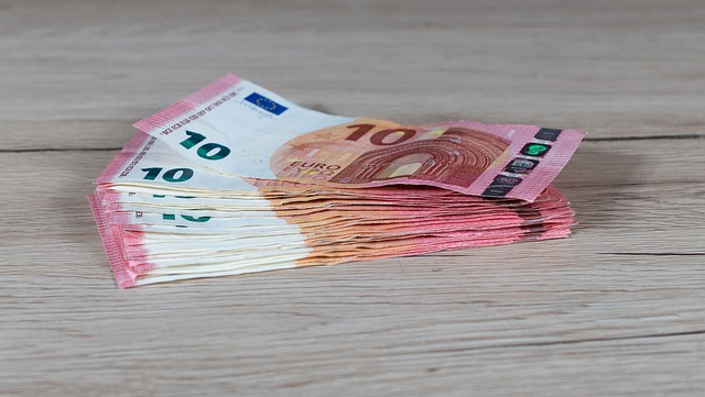 dinheiro em especie - Viagens Internacionais: 5 itens indispensáveis